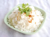 Cleaning the body with rice at home